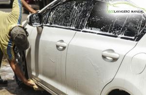 Eco Lavado de coche a mano