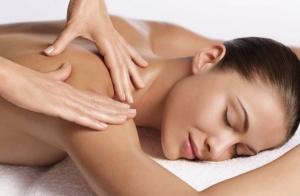1 o 3 masajes + estudio nutricional