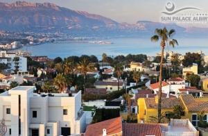 http://oferplan-imagenes.laverdad.es/sized/images/sunpalacealbir1-300x196.jpg